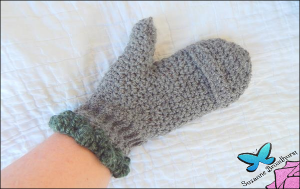 Fingerless Convertible Mittens_closed